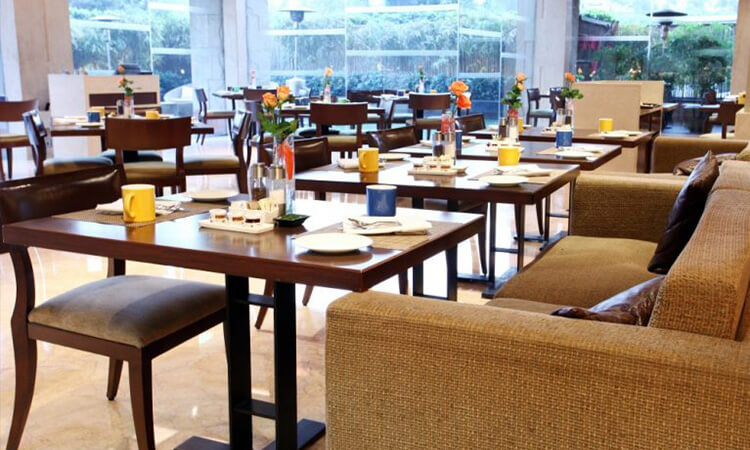 24-7 Restaurant - The Lalit, CP