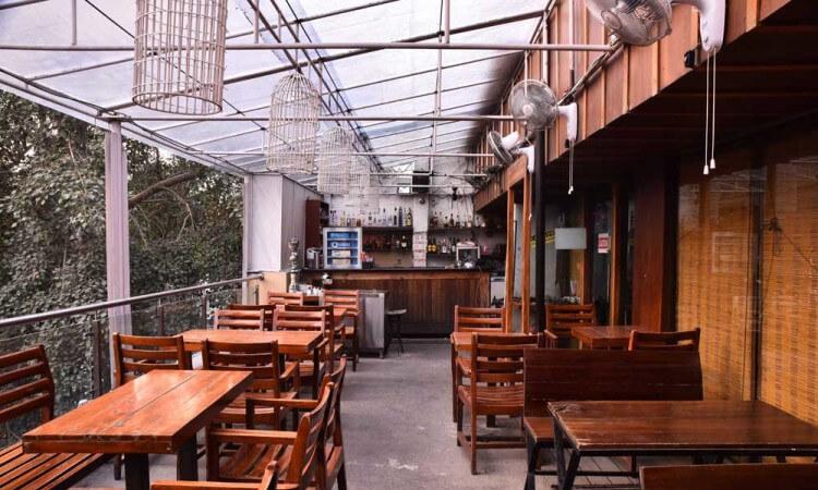 Boombox Cafe, Khan Market
