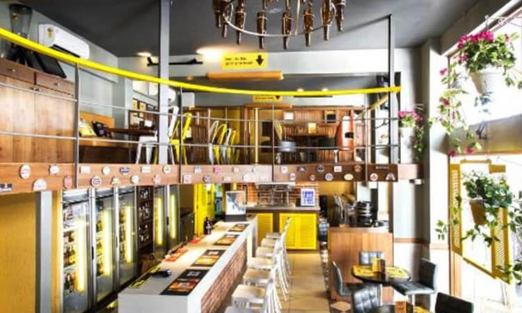 Olde Bailey's Cafe, Nerul
